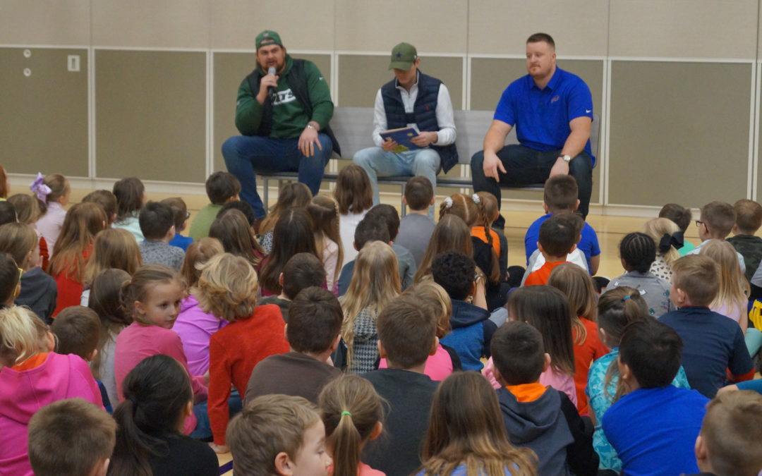 ARBOR VIEW STUDENTS GET TEAMWORK LESSON FROM NFL EXPERTS